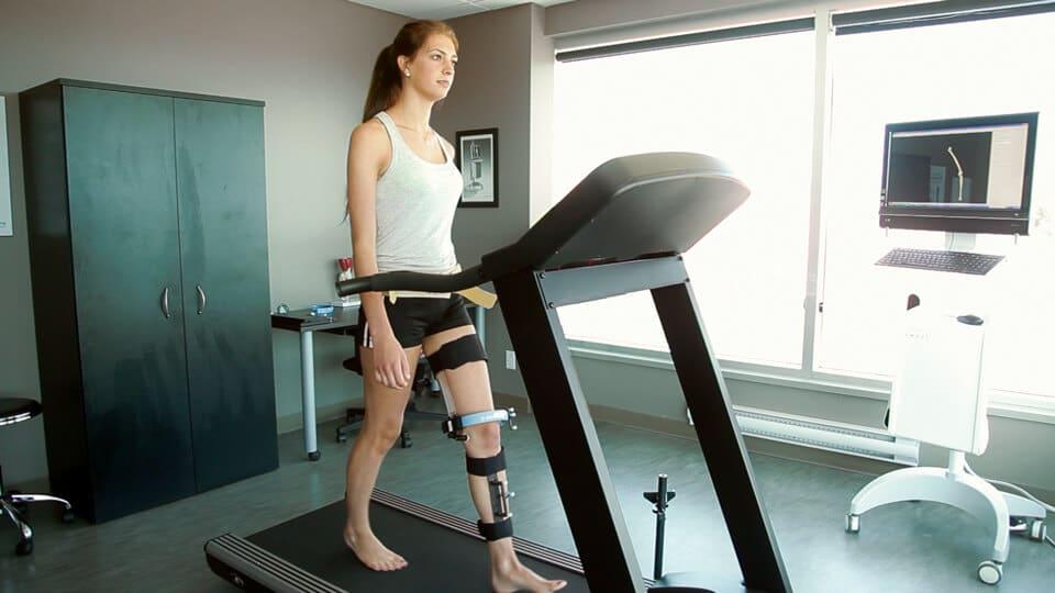KneeKG™ System: New reliable knee pain symptom checker for your clinic   emovi   kneekg, Emovi, KneeKG